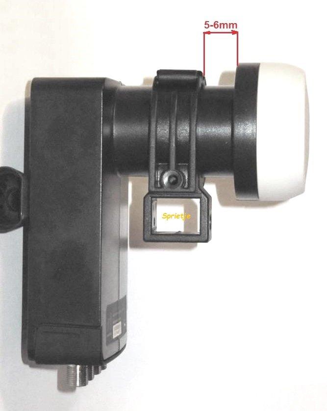 Inverto Black Ultra quad met Triax rail klem.JPG